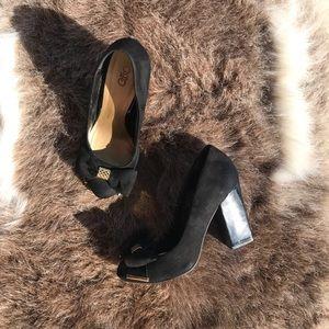 🐃 || Cato Black & Gold Bow Chunk Heel